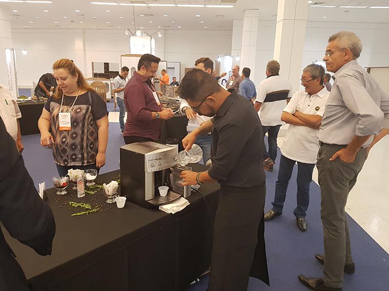 Expositores destacam tendências no primeiro dia do Espaço Móbile Lojista 2019