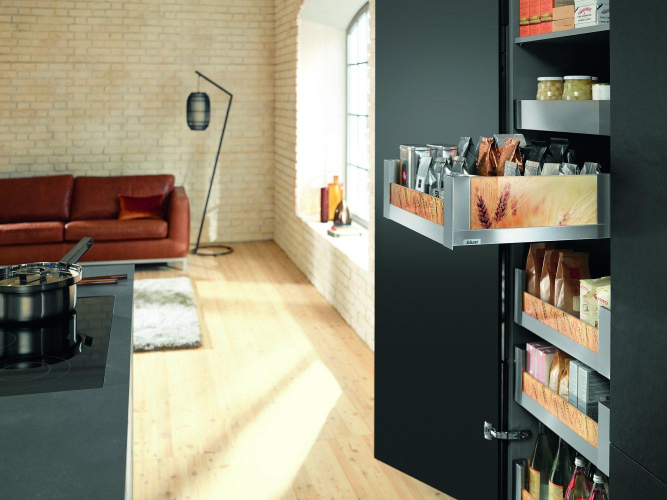 Space Tower é solução da Blum para dar praticidade ao mobiliário