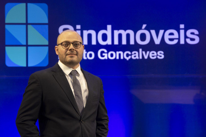 Sindmóveis Bento Gonçalves forma líderes para o setor moveleiro